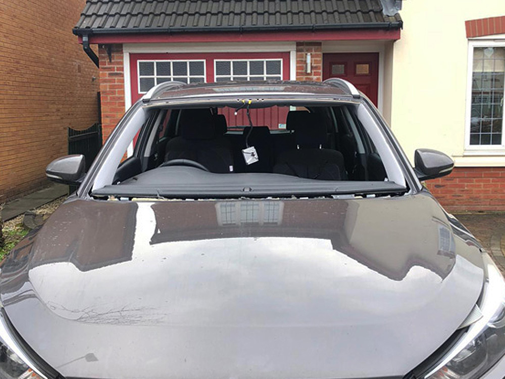 Car windscreen replacement